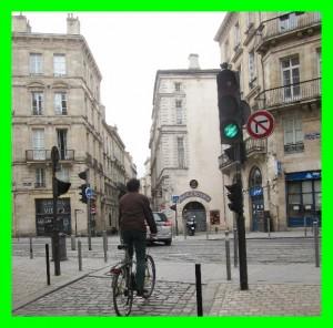 cycliste feu vert